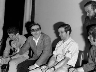 Berri, Godard, Truffaut, Polanski e Malle (de pé), durante a entrevista coletiva