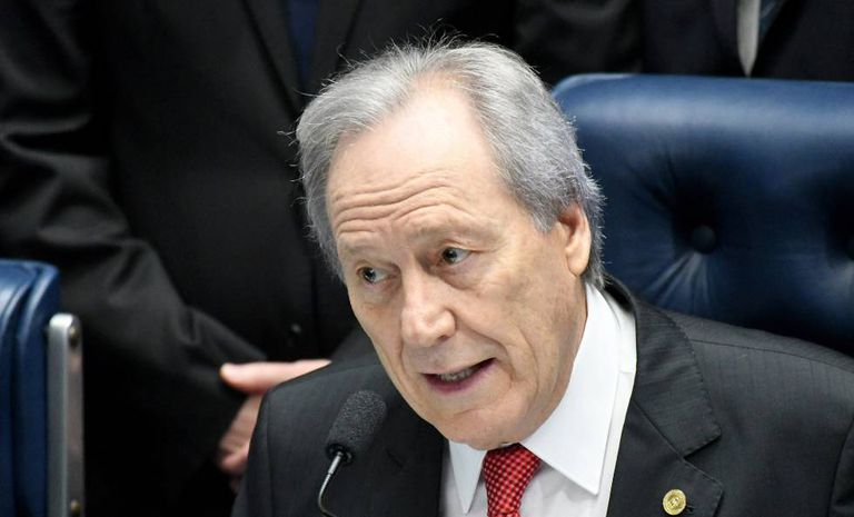 Lewandowski durante o julgamento de Dilma.