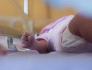 A França investiga uma cifra excepcionalmente alta de bebês nascidos sem uma mão ou braço.