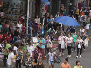 Rua 25 de março, um dos maiores centros comerciais do Brasil.