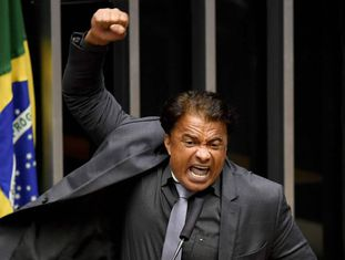 Wladimir Costa defende o presidente Michel Temer, nesta quarta-feira.
