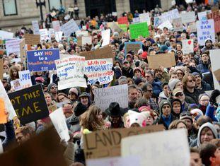 Manifestação em Boston contra o decreto migratório de Trump.