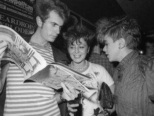 Público no interior da sala Rock-ola de Madri em 26 de novembro de 1983.