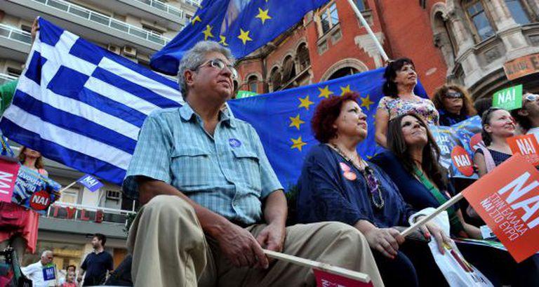 Partidários do 'sim' ao acordo com os credores, em Tessalônica.