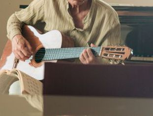 Imagem do documentário sobre Chico Buarque.