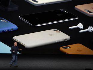 Phil Schiller, vice-presidente da Apple, durante a apresentação do iPhone 7.