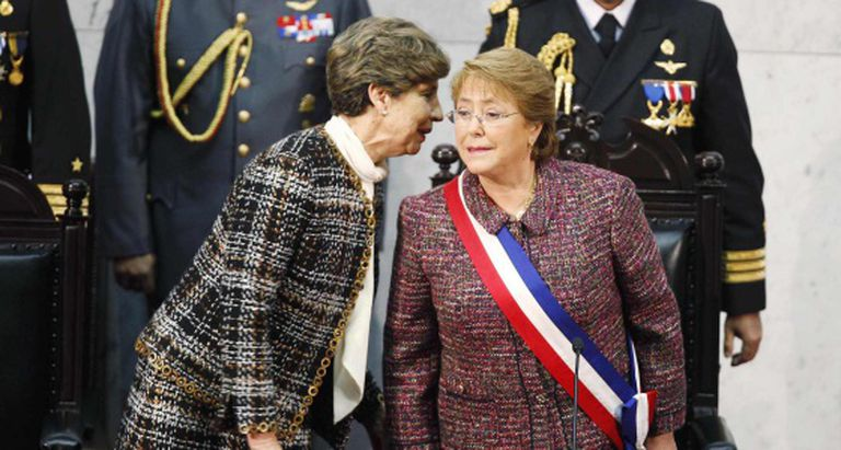 A presidenta do Senado chileno e Michelle Bachelet.