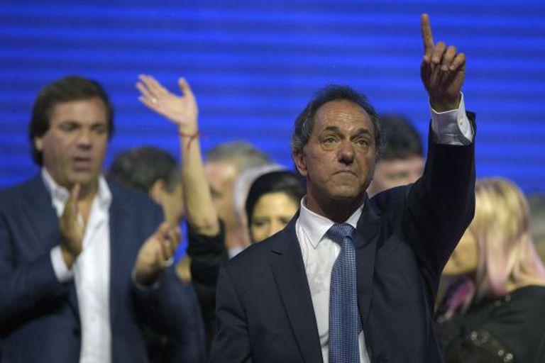 O candidato Daniel Scioli, neste domingo em Buenos Aires.