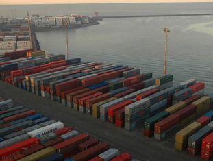 Vista do porto de Montevidéu, Uruguai.
