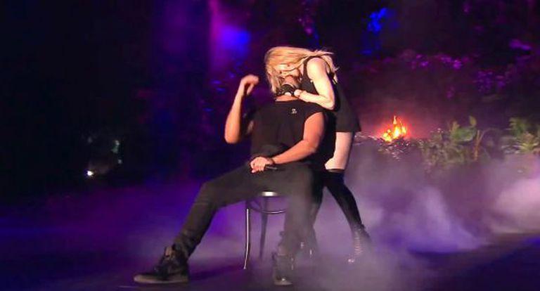 O beijo de Madonna em Drake.