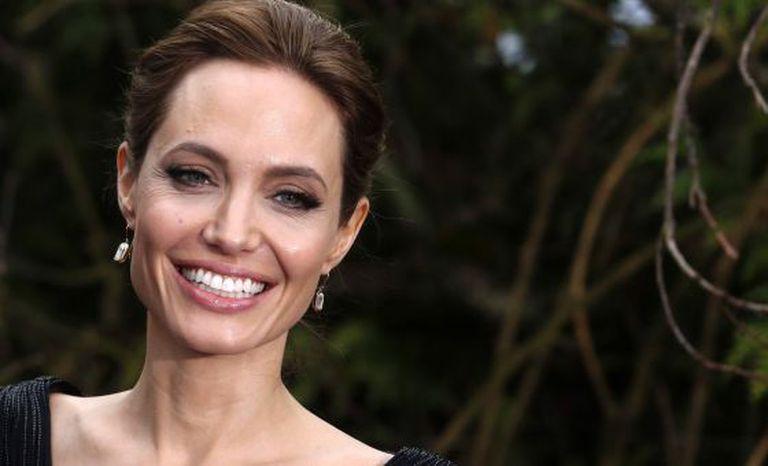 A atriz Angelina Jolie.