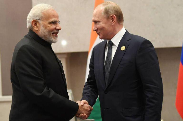 Modi e Putin, em uma cúpula dos países emergentes em julho.