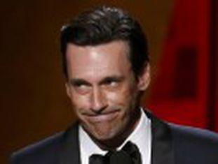 Canal pago fica com os prêmios de melhores drama, comédia e minissérie. A TV norte-americana se despediu de Donald Draper