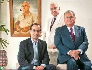 O Clã Odebrecht: Norberto (ao fundo), Marcelo (à esquerda) e Emílio (à direita).