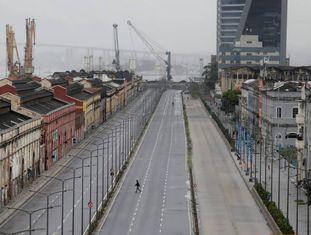 Greve geral esvaziou a zona portuária do Rio de Janeiro no início da manhã desta sexta-feira, dia 28 de abril. Área foi bloqueada por manifestantes contrários às reformas trabalhista e da previdência.