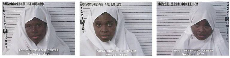 As três mulheres detidas, que a polícia afirma serem mães das 11 crianças resgatadas