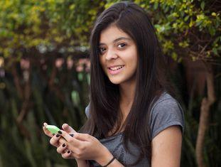 Giovanna Nunes desenvolve aplicativo para ajudar o pai a controlar doença rara.