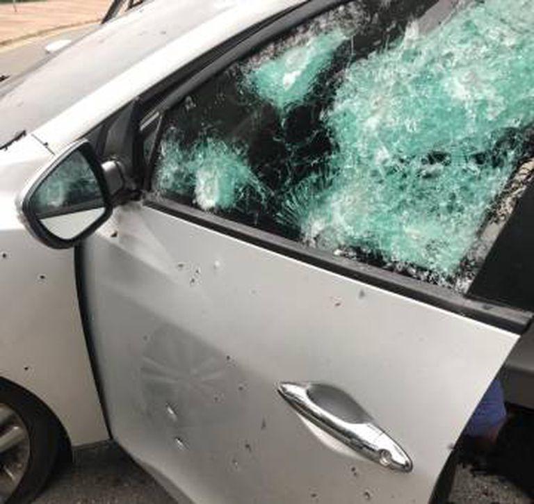 Veículo onde estavam alguns dos suspeitos que foram mortos.