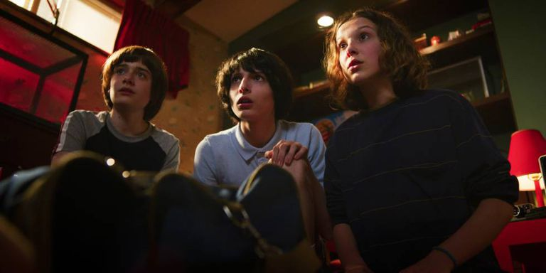 Noah Schnapp, Finn Wolfhard e Millie Bobby Brown, na terceira temporada de 'Stranger Things'.