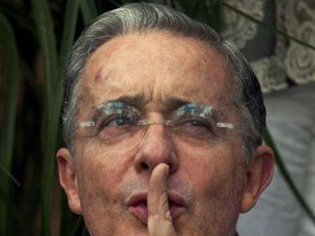 O ex-presidente Uribe em um comício.