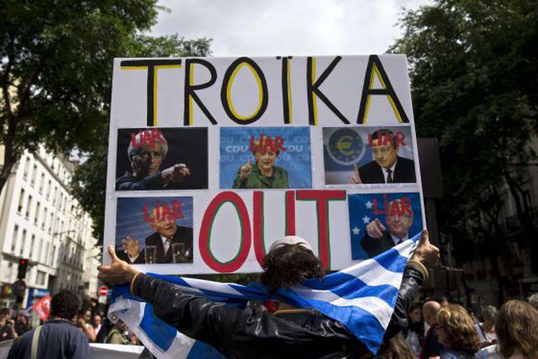 Manifestação contra a 'troika' e de apoio à Grécia, no dia 20 de junho, em Paris.