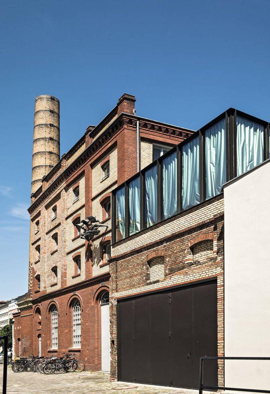 Fachada do ateliê onde está localizado o estúdio de Ai Weiwei, na fronteira norte do bairro berlinense de Mitte. Seu vizinho é o artista dinamarquês Olafur Eliasson.