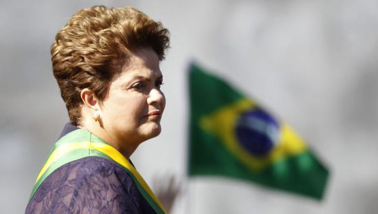 Dilma em um desfile militar neste domingo em Brasília.