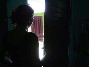 Claudia foi violada por 10 adolescentes no final de outubro. Thiago Freitas/ Extra