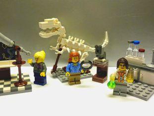 Os novos bonecos Lego retratam mulheres cientistas.