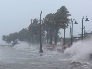 O furacão Irma atinge Fajardo, em Porto Rico