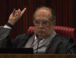 Gilmar Mendes, presidente do TSE, nesta quarta-feira: troca de farpas entre ministros marca sessão.