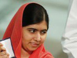 Malala, premiada mais jovem da história, recebe o Nobel da Paz com o indiano Satyarthi