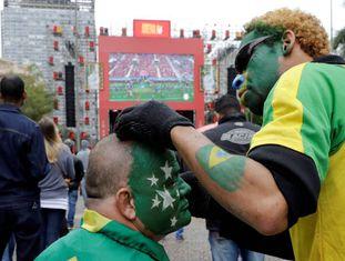 Brasileiros se reúnem em Moscou antes de abertura da Copa.