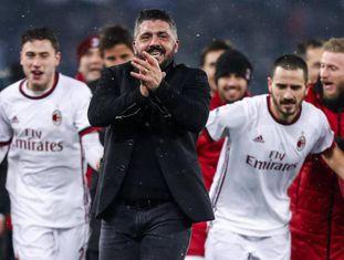 Gattuso celebra após o Milan bater a Lazio na Copa da Itália.