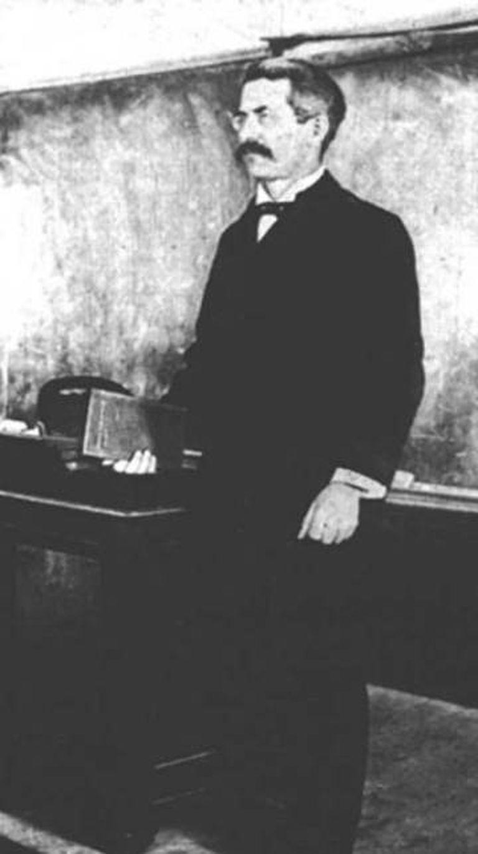 O matemático Clarence Abiathar Waldo.