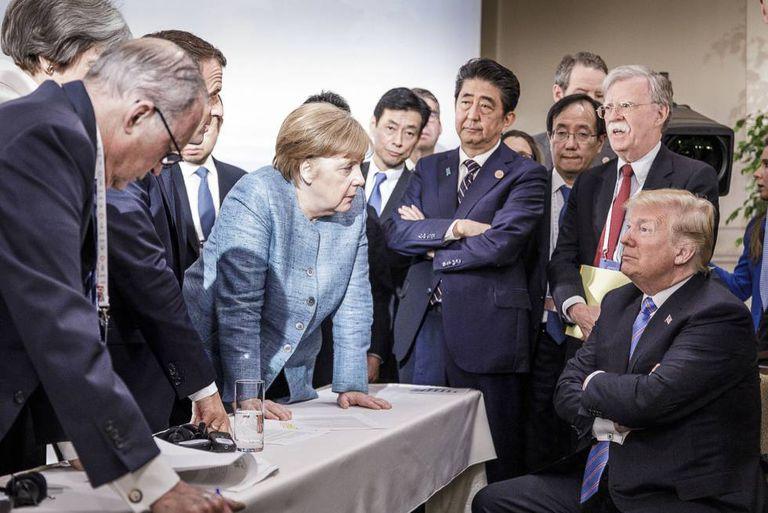 A já icônica foto do Trump no G7
