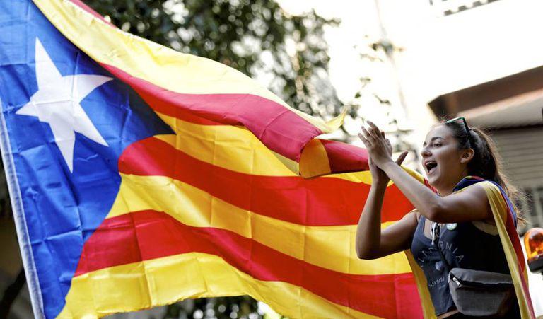 Estudantes da Universidade de Barcelona fazem protesto.