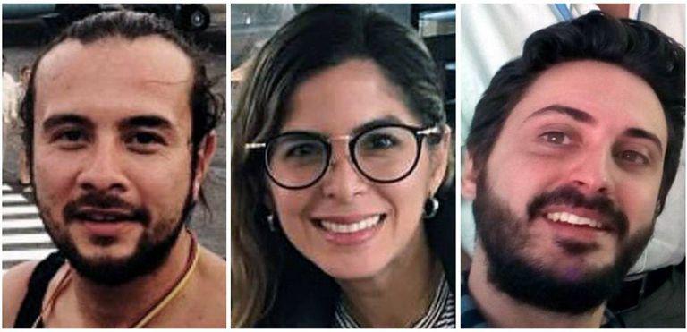Fotografia de arquivo dos três jornalistas da agência EFE detidos em Caracas, a colombiana Mauren Barriga (c); o fotógrafo Leonardo Muñoz (esq.), e o espanhol Gonzalo Domínguez