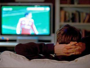 Vida sedentária diante da TV gera muitos riscos.