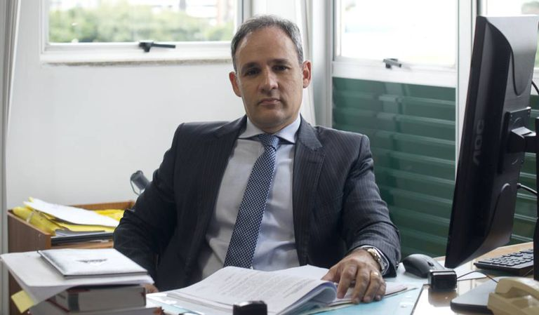 O promotor Eduardo Nepomuceno, na sede do MP mineiro.