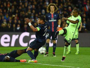 Fernandinho marcou para o City.
