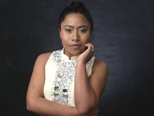 Yalitza Aparicio, protagonista de 'Roma', durante almoço dos indicados aos Oscar, em Los Angeles.