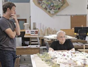 Mark Zuckerberg e o arquiteto Frank Gehry em 2010.