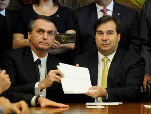 Bolsonaro e Maia na Câmara.
