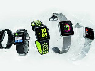 No centro, o Apple Watch Nike+.
