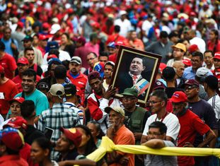 Simpatizantes de Nicolás Maduro nas ruas de Caracas.