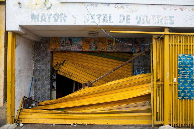 Supermercado saqueado em Ciudad Bolivar (Venezuela), em 19 de dezembro de 2016.