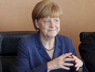 Merkel, durante a reunião do Conselho de Ministros de hoje.