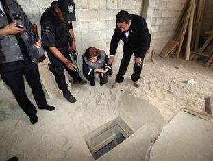 Saída do túnel pelo qual El Chapo escapou.