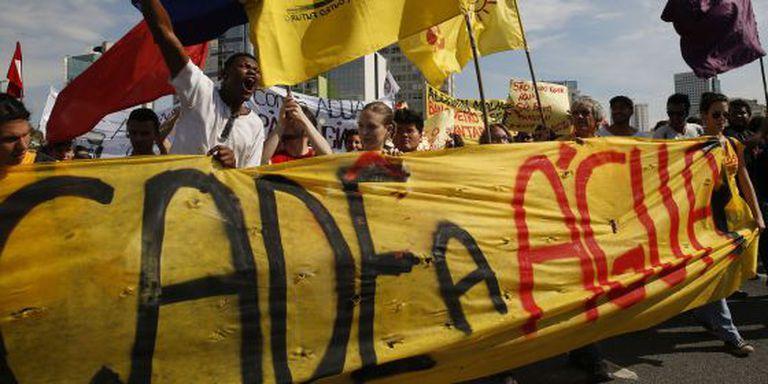 Manifestantes protestam contra crise de água em São Paulo.